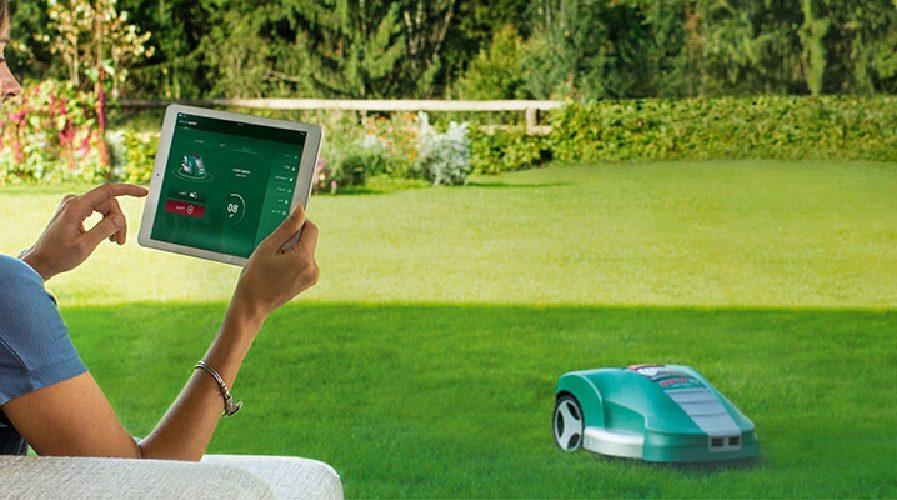 Bosch cartonne avec son robot-tondeuse connecté