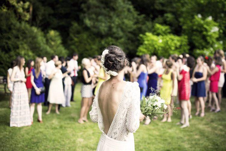 Conseils pour bien choisir une robe pour assister à un mariage