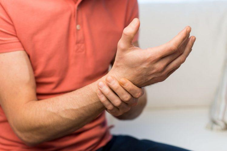 Douleurs main